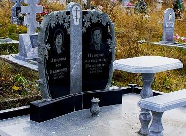 надгробные памятники. фото